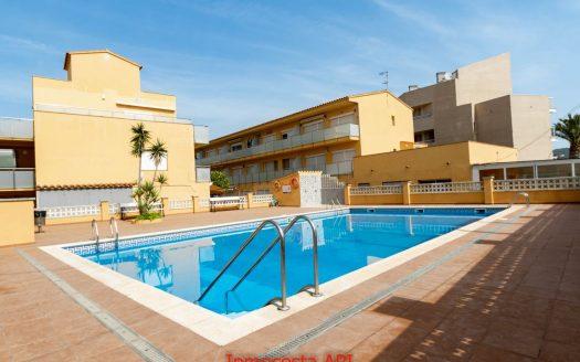 01282 Escalada 2 dormitoris piscina comunitaria i al costat del mar