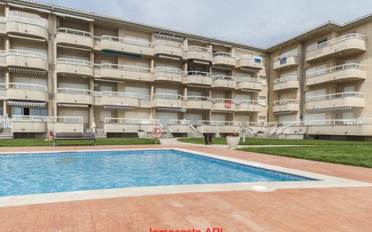 Griells. - Apartament frontal al mar amb 2 dormitoris, piscina