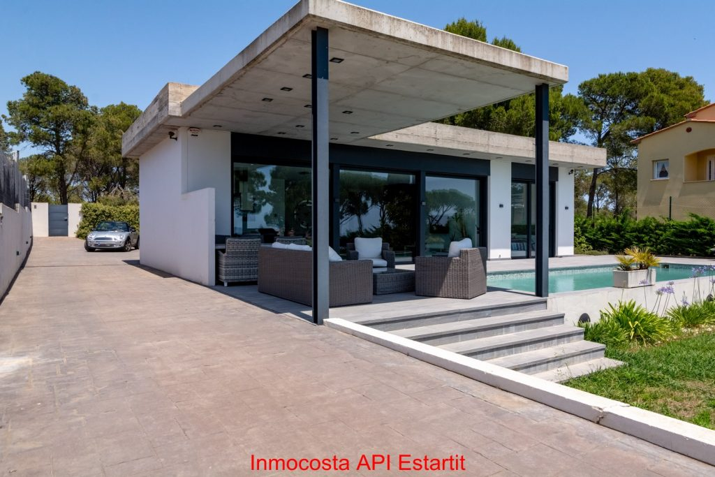 1843 Inmocosta API casa amb piscina privada - Agencia Immobiliària Estartit - apartament costa brava