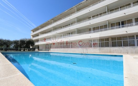 One bedroom apartment with communal pool in l'Estartit.