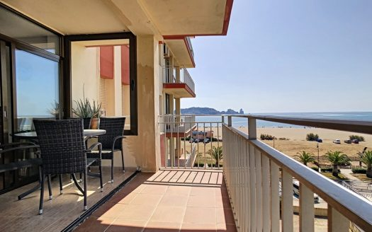 Apartment on the seafront, L'Estartit.