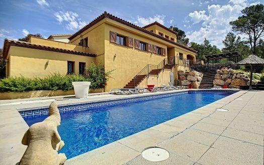 Gran xalet a la Urb. Torre Gran amb piscina privada.