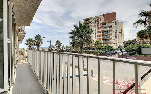 Apartament modern situat en un edifici a primera línia del mar a L'Estartit.