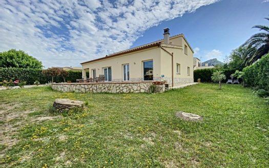 Espectacular casa amb piscina comunitària a la Urb. Bell Racó, Torre Gran a L'Estartit.